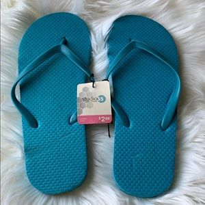 ⭐️ FREE w/ Purchase of Another Item ⭐️ Flip-Flops